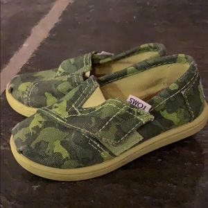 Toddlers toms